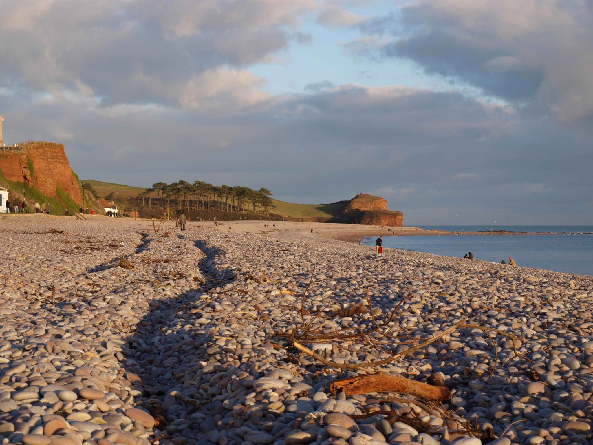 Photo of the view along the beach at Budleigh Salterton