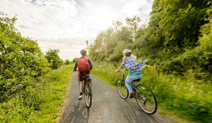 Photo of two cyclists on the Tarka Trail near Braunton