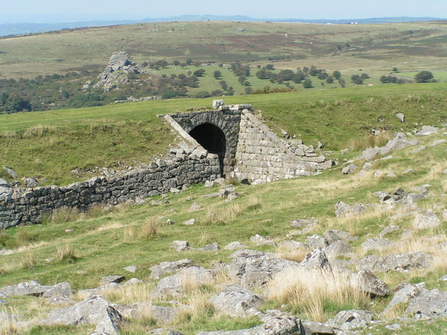 Photo of the former Princetown railway bridge with Kings Tor in the background