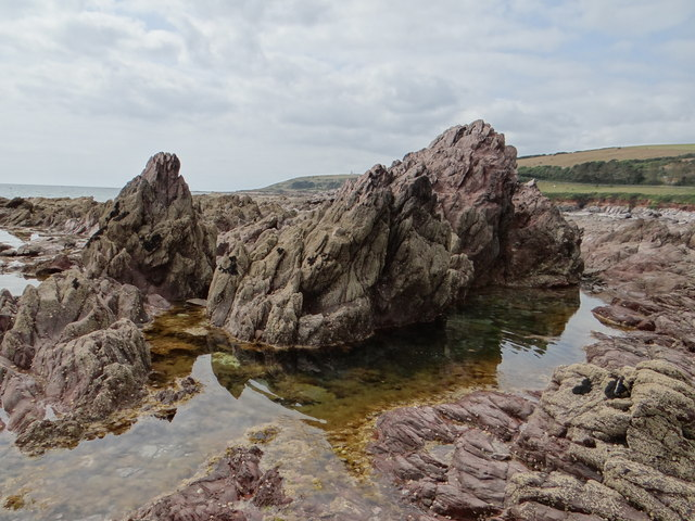 Blackstone Rocks and rock pools, WemburyCopyright Debbie J http://www.geograph.org.uk/photo/4105561